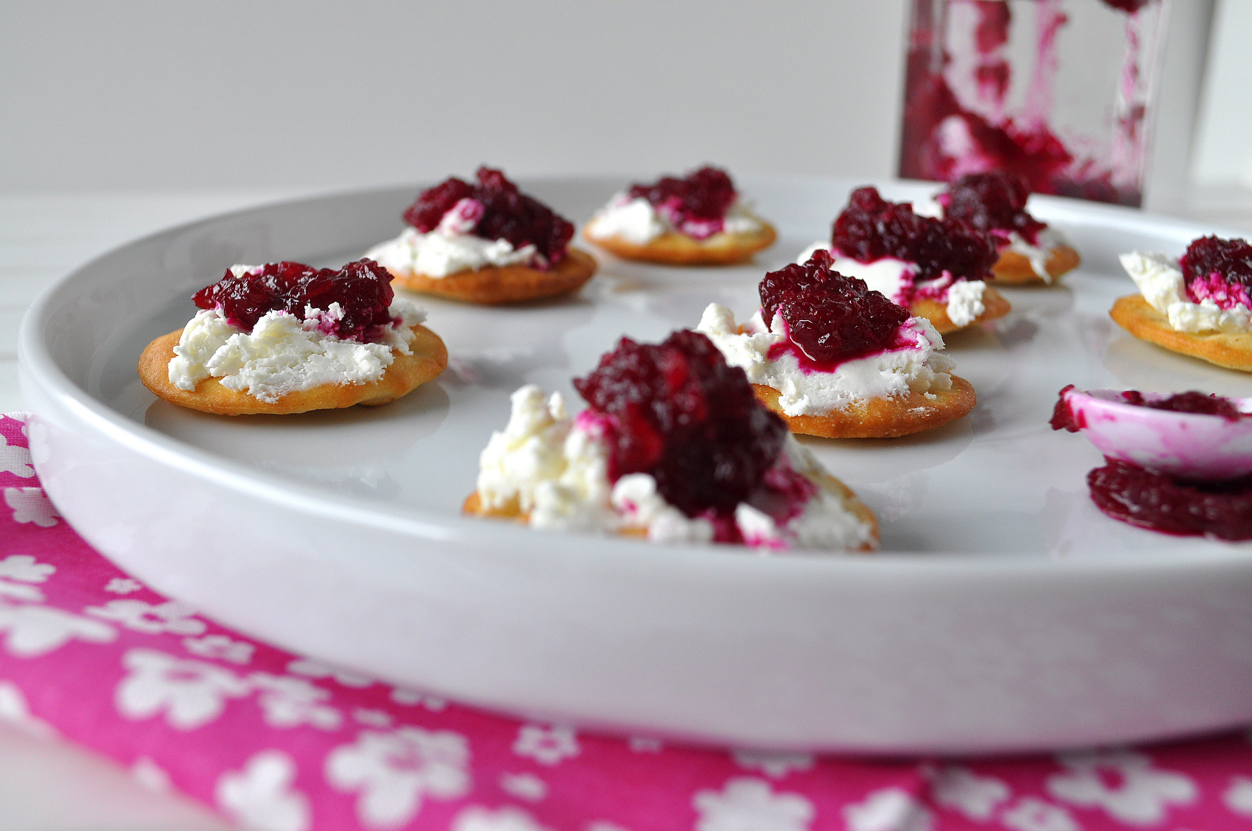 beets and goat cheese appetizer